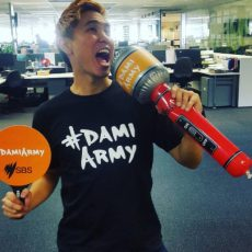 Image source: http://sbspopasia.tumblr.com/post/144191274645/andy-trieu-getting-his-damiarmy-gear-on-for