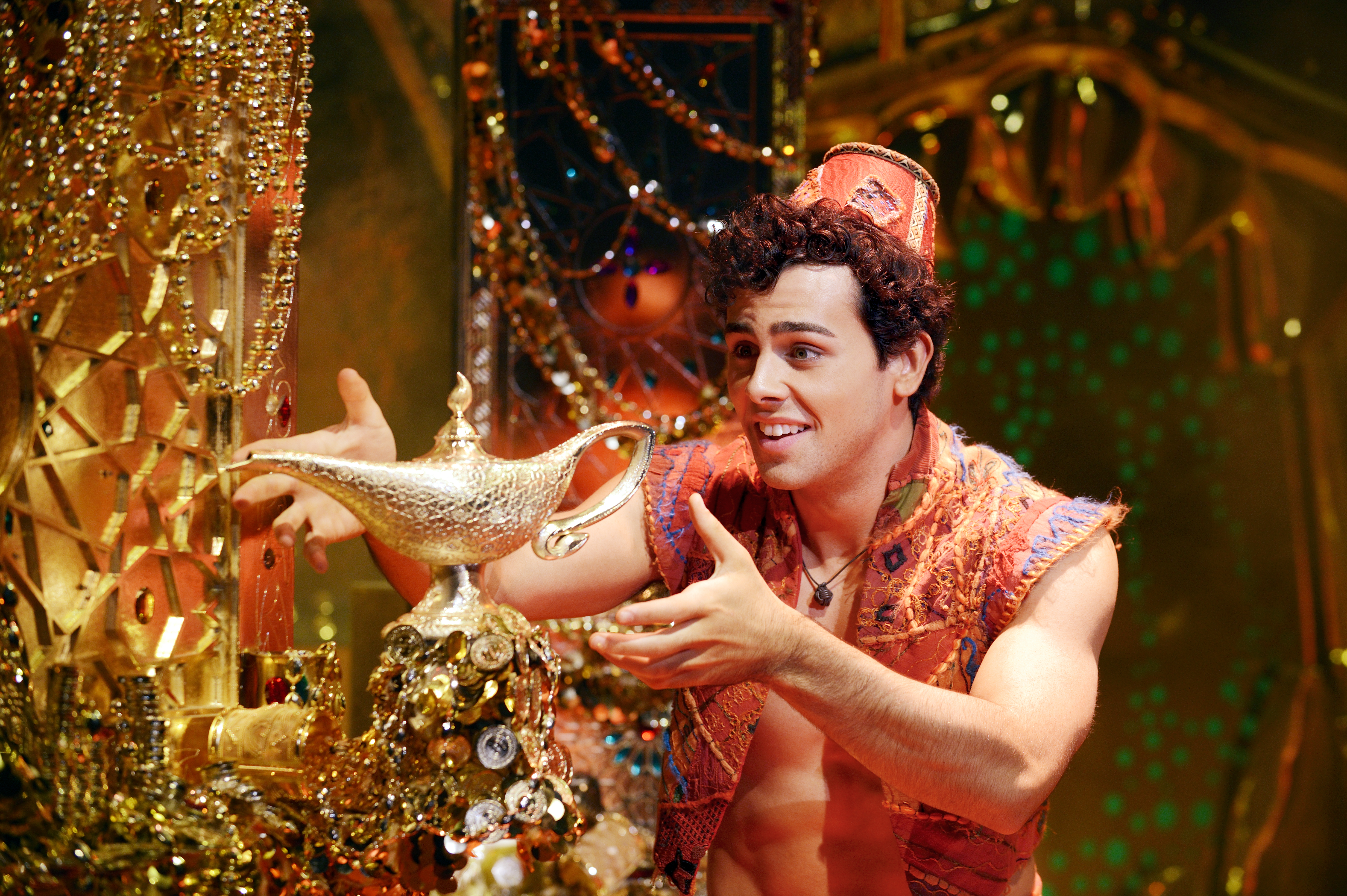 A Whole New World Of Fun With The Genie And Aladdin In The Studio
