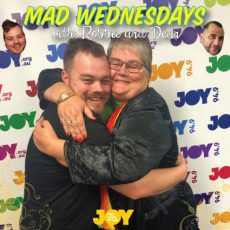 Free Mum Hugs with Mandy at Mollies this Mothers Day