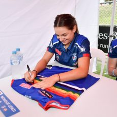 Chicks Talking Footy AFLW Pride Match Raffle – 2018 Bulldogs Premiership Team Guernsey (signed)